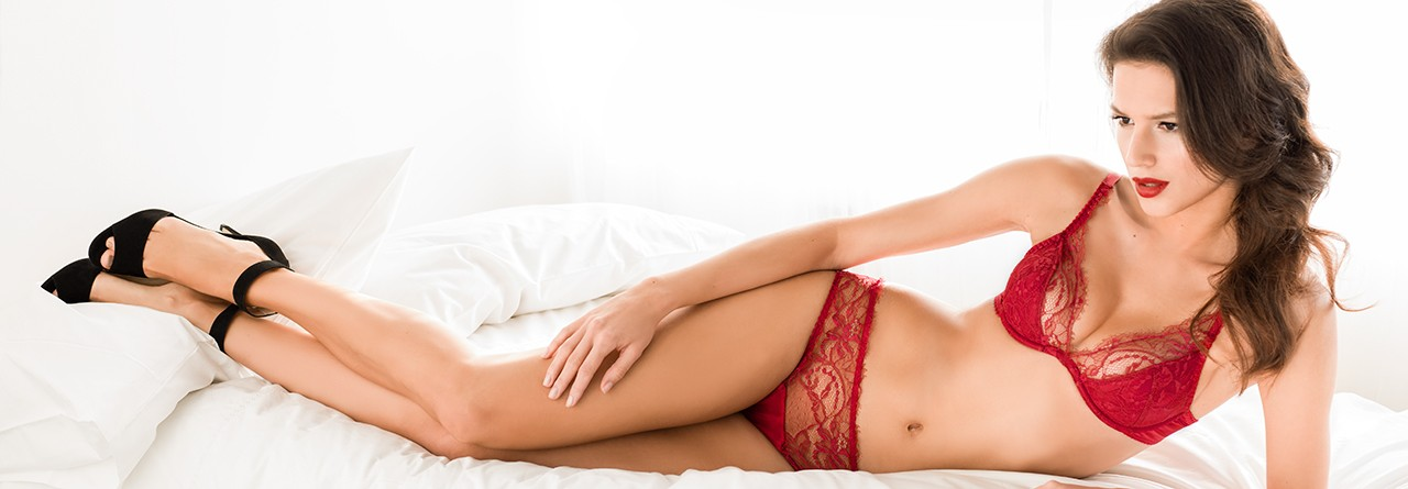 red-lingerie-amour-collection
